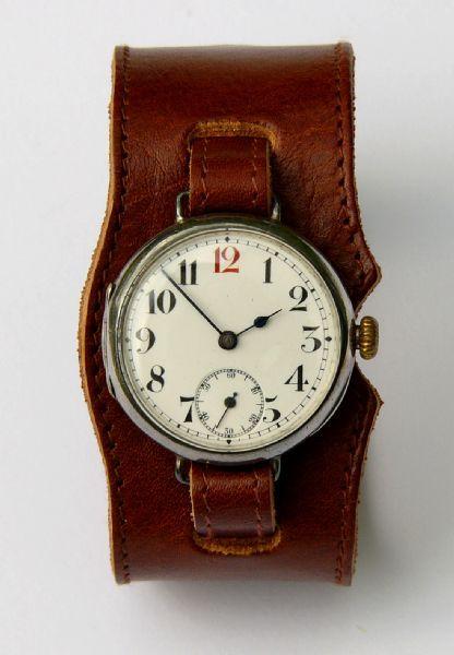 Brede leren horlogeband, helemaal IN toen.