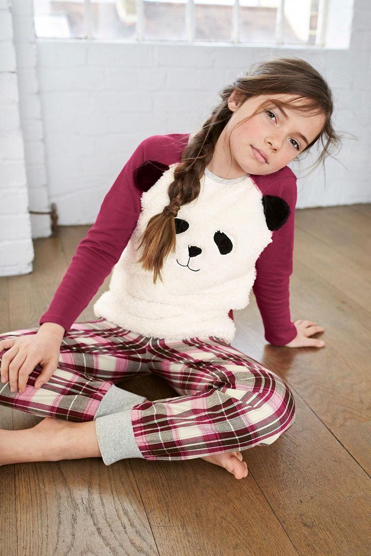 Ado en pyjama panda suce son mec couple geek 9