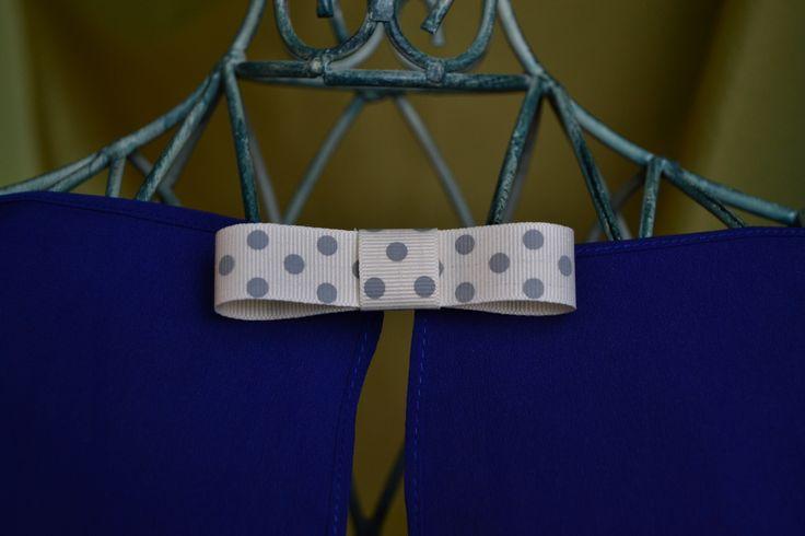 bow brooch, polka dot