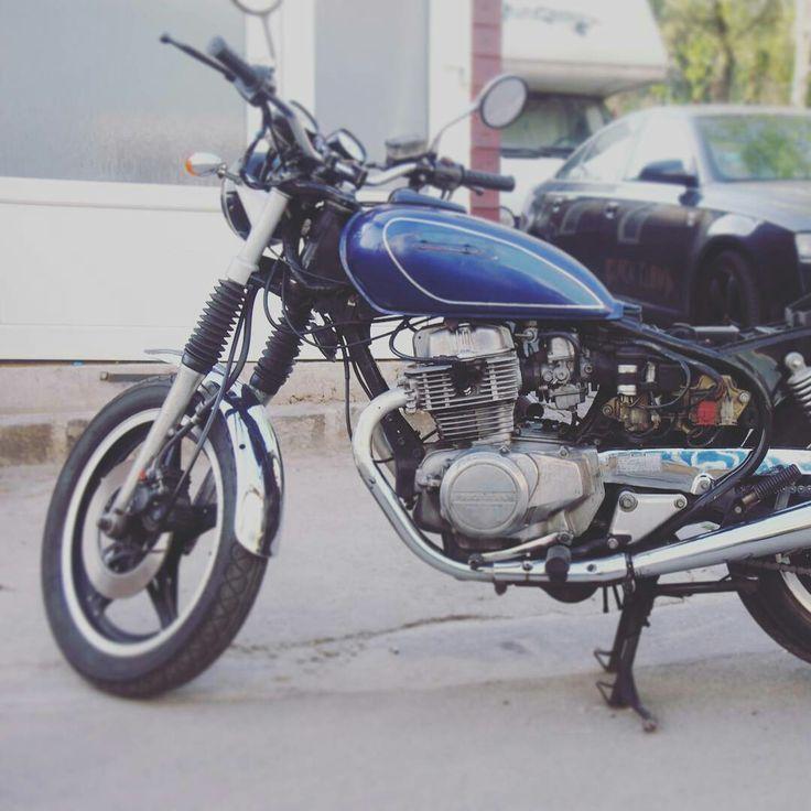Another beauty  #caferacer #racer #moto #motorkapcai_1 #blue #motor #customized #garagelife #blackcloud  #job #motorcycle #motorbike #instagood #instadaily #pictureofthedays
