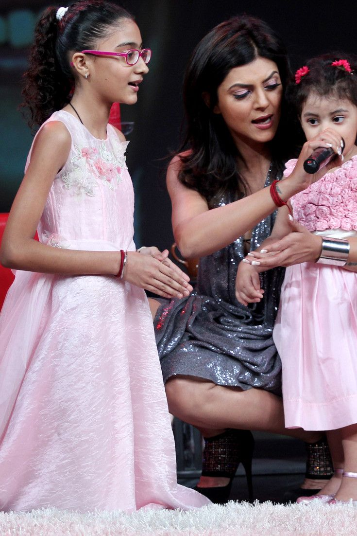 WATCH: Sushmita Sen Wins Hearts With Inspirational Speech At Her Daughters School Annual Day