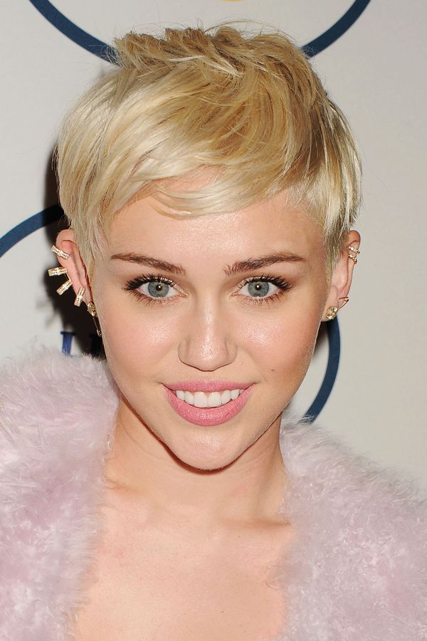 January 2014And just when you thought you loved her last look the best...Cyrus' platinum pixie and soft makeup, courtesy of Pati Dubroff, stuns at a pre-Grammy party in Los Angeles.  #refinery29 http://www.refinery29.com/2015/11/98068/miley-cyrus-makeup-beauty-looks#slide-17