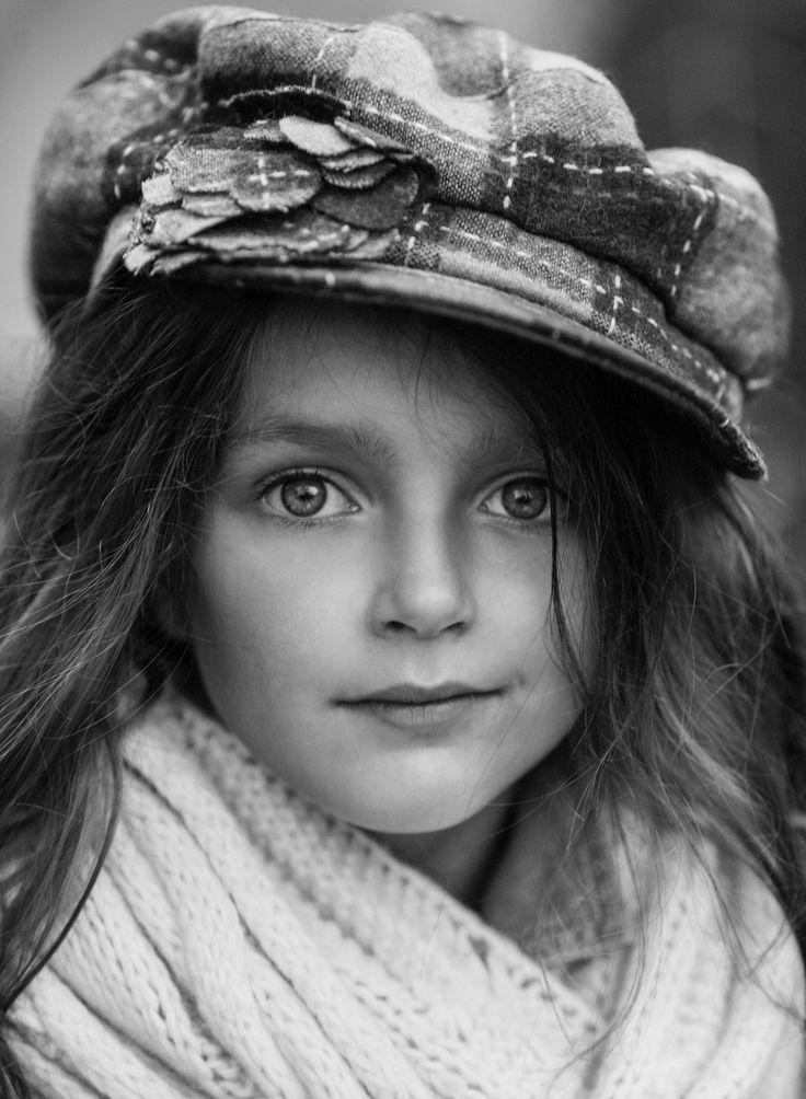 Girl portrait enfant  girla fashion kids style photography #black&white#work#kids#kidsfashion
