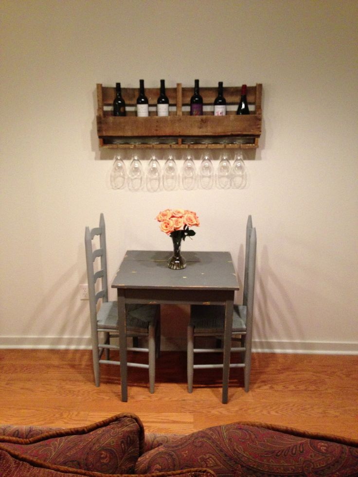 Pallet projects Wine bottle and glass holder