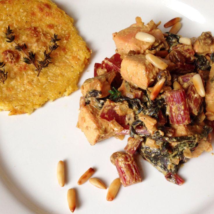 Polentaplätzchen an Mangold-Curry