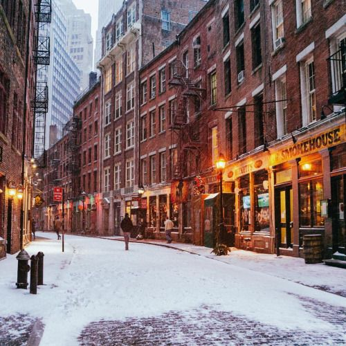 Stone Street, New York City by Vivienne Gucwa @travelinglens