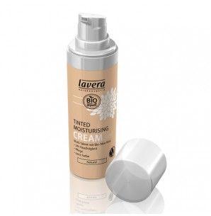 La Crème hydratante teintée 3 en 1 naturel bio LAVERA, rassemble en un seul produit un teint naturel, une peau hydratée et protégée, grâce à sa composition d'aloé vera, de minéraux, de nutriments et de vitamine E. légère, elle unifie le teint et réveille l'éclat. Cette crème teintée s'adapte à la teinte naturelle de tous les types de peaux.