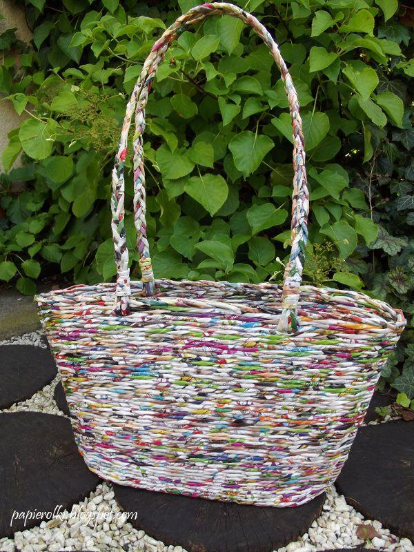 Basket from newspaper. Kolorowy koszyk na lato