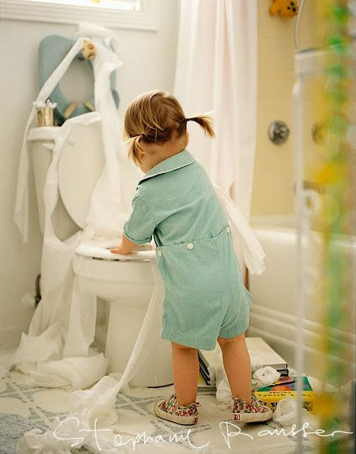 adorable :): Little Girls, Toilets Paper, Children, Funnies Lists, Too Funnies, Funnies Girls, Photo Idea, Hilary Pictures, Boys Baby