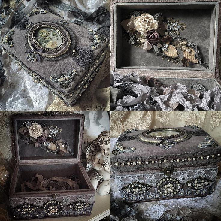 Доброго летнего вечера!🍃😊Напоследок фото шкатулки и внутри🌚🌚🌚#krasnodar #russia #tv_stilllife#needlework #handmade #vintage #vintagestyle #retro #snap_ish #shabbychic #flower #grey #decor #decoration #tv_retro #antique_r_us #декор #шкатулка #винтаж #хобби #рукоделие #ручнаяработа #назаказ #краснодар #россия #шеббишик #9vaga_shabbysoft9 #lace#vintagelaceandroses#romantic_darkness