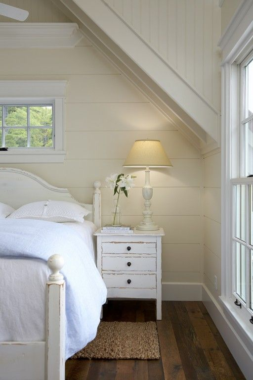 sleeping nook in ivory and cream | muskoka living interiors