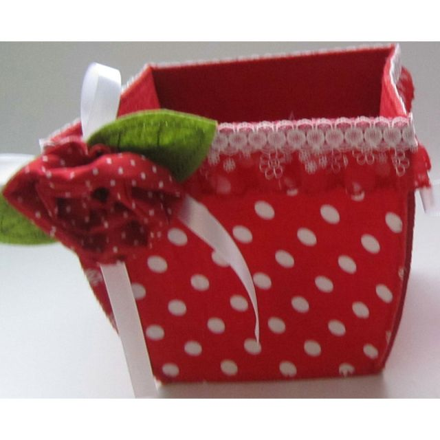 Easter Basket Crafts http://www.hchomedecor.com/felt-christmas-ornaments/