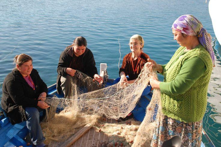 Anadolu'da kadın olmak.  Marmaris - Bozburun Köyü'nün balıkçı kadınları. Fotoğraf: Ahmet Yılmaz