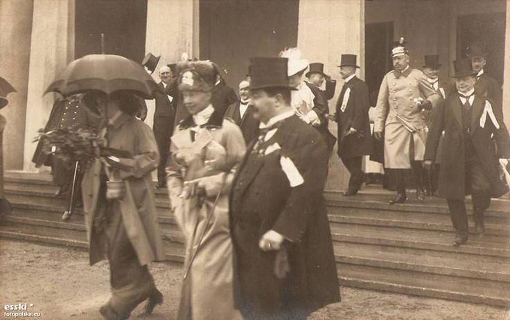 1913, Pruski następca tronu - książę Wilhelm, podczas zwiedzania Wystawy Stulecia.