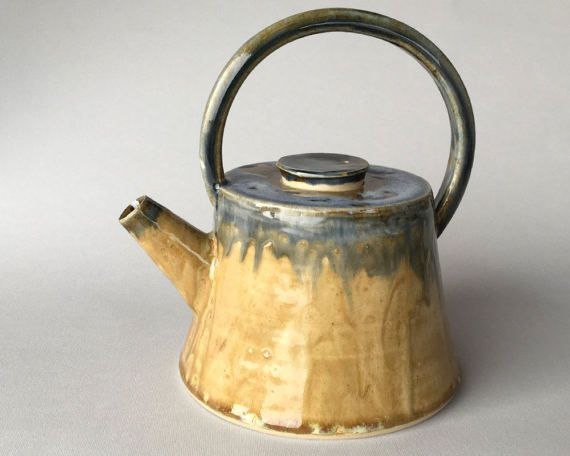 Teiera in gres a tronco di cono smaltata in beige e blu di mugseco