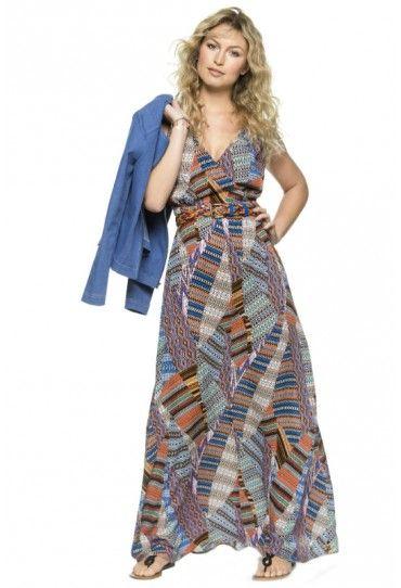 Deze mouwloze jurk heeft een diepe V-hals en is een zwierig model, wat een echt Ibiza gevoel geeft.