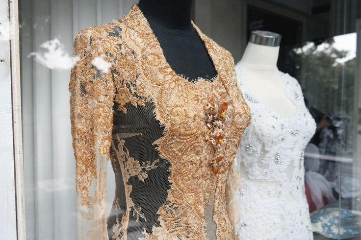 The Beauty of Vera Kebaya - www.thebridedept.com