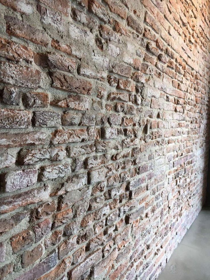 Brickwall specialiteit van Molitli Interieurmakers. Steen strips niet van echt te onderscheiden. Meerdere stone looks