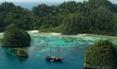 Exploring the Wonder of Crude Marine Tourism at Raja Ampat!