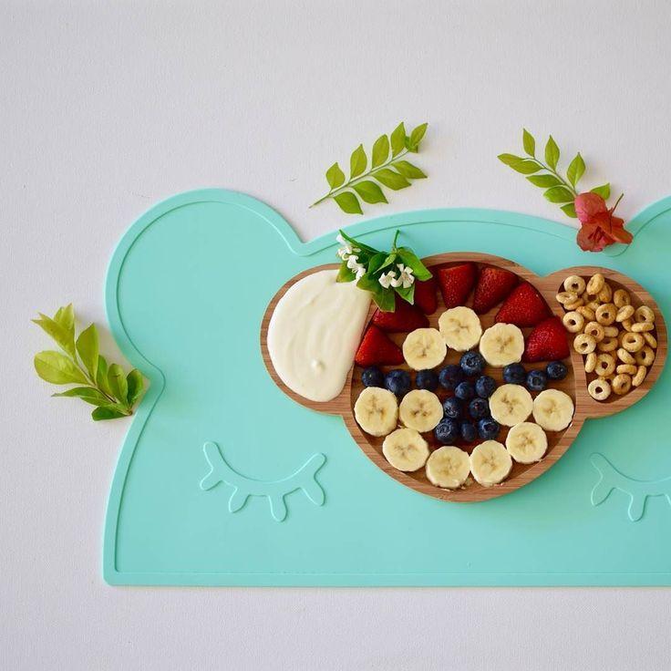 Look what's for breakfast over at @emondo.kids!  I am loving their new range of bamboo Australiana animal plates - so adorable   #wemightbetiny #placemat #emondokids #breakfast #happythursday #almostfriday #healthykids #fruit #flatlay #kidsdecor