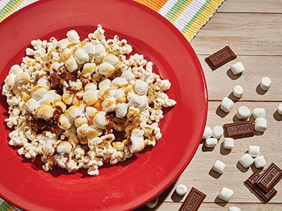 S Mores Popcorn Recipes Comfort Foods In Copper Sq Pan In 2018