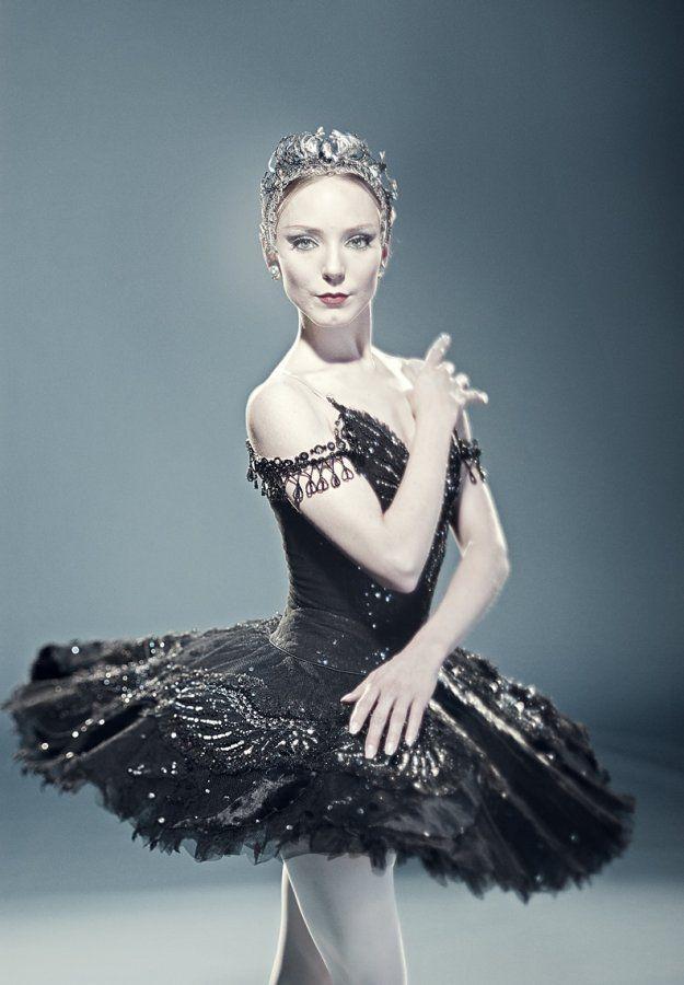 Sarah Lamb as the Black Swan.