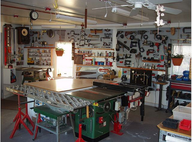 542 best workshop tool organization images on pinterest for Home garage shop