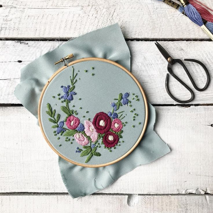 """319 Likes, 47 Comments - Helen Wilde - Botanical Design (@ovobloom) on Instagram: """"S U N D A Y  A little inspiration from yesterday's colour palette... #handembroidery #hollyhock…"""""""