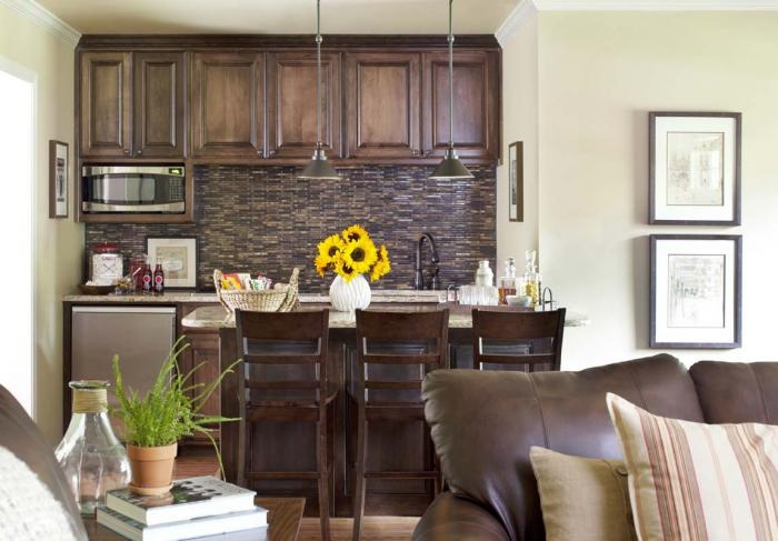 what an amazing kitchen area for such a small space!