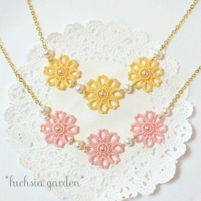 ハンドメイドマーケット minne(ミンネ)  タティングレースの桜の花びら風春色フラワーモチーフと淡水パールのネックレス