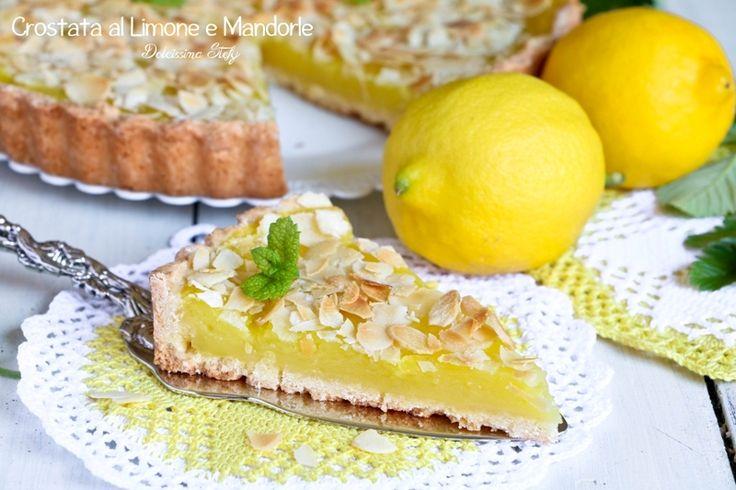 Oggi per la merenda prepariamo questa golosissima Crostata alla Crema di Limone e Scaglie di Mandorle tostate, una vera delizia per il palato.