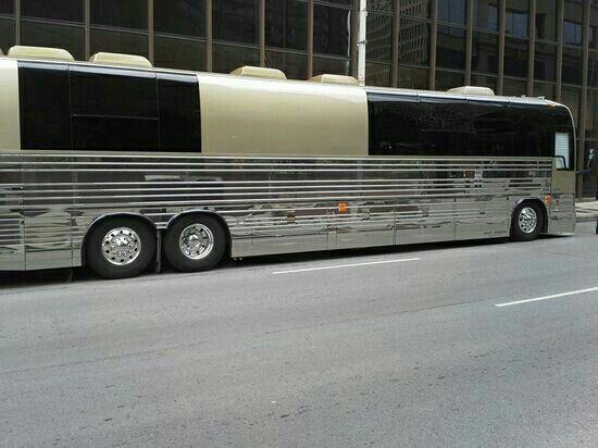 Dolly Parton's tour bus
