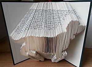 boekkunst hondje - Leer zelf een boek in een kunstige vorm vouwen in 9 delen. Inclusief gratis patronen.