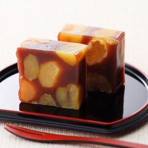 Japanese Cakes  [see others on board]                                      どこを切っても顔を出す栗!栗!栗!【栗蒸し羊羹】