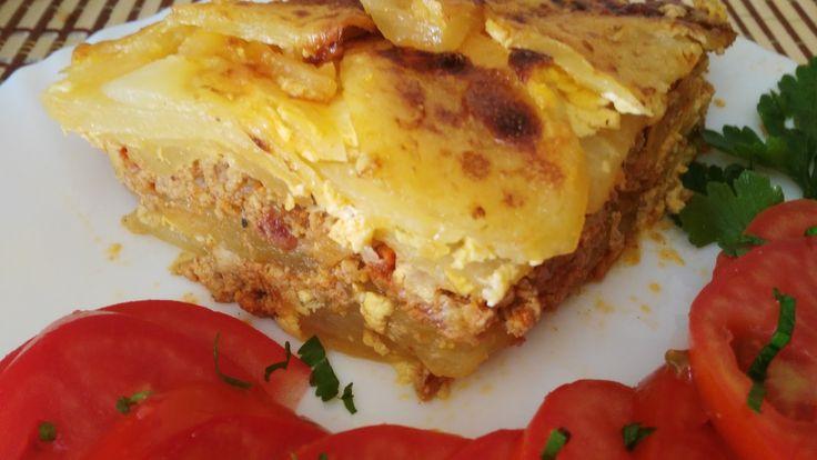 Bakina kuhinja - musaka koja će se razgrabiti       Potrebno je:  700 gr krompira  300 gr. ml. mesa  1 glavica crnpg luka  4 čena belog luk...