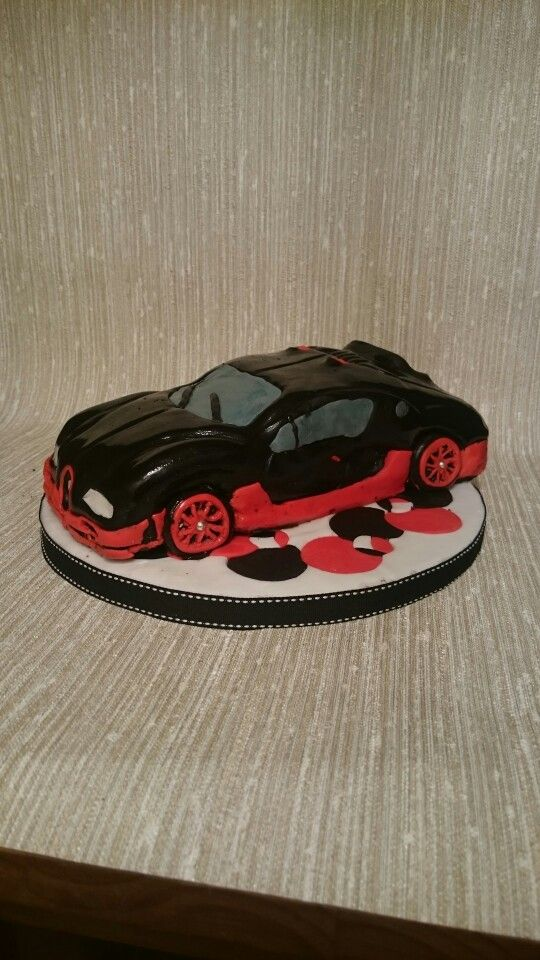 Bugatti Veyron cake i did for a friends birthday :)