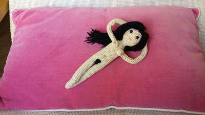 Muñeca Maja Desnuda Amigurumi - Patrón Gratis en Español aquí: http://tejiendoconmax.blogspot.com.es/2016/01/patron-maja-desnuda-crochet.html