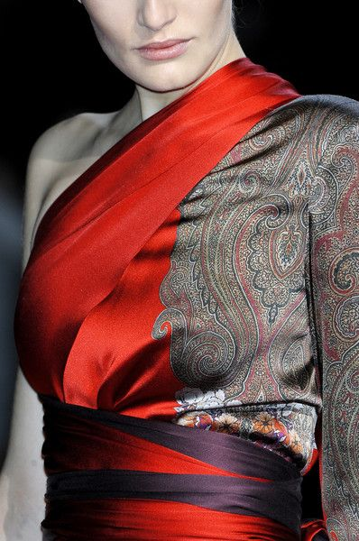 A good placement print always takes my breath away.  Etro