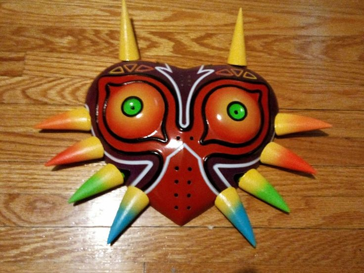 Fibreglass Mask Replica based on The Legend Of Zelda Majora's Mask This item is 12 inches tall x 14 inches wide and 3 1/2 inches deep.