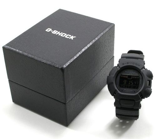 There is nothing fresher than a blacked out G-Shock, especially when it's a Mudman. This Matte Black edition is completely black out including the face, it