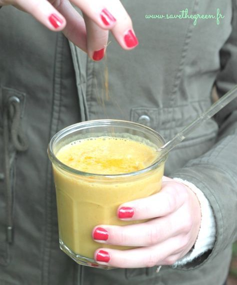Golden milk : le smoothie antioxydant au curcuma. Voici la recette d'un délicieux smoothie dans lequel un ingrédient excellent pour votre santé s'est invité