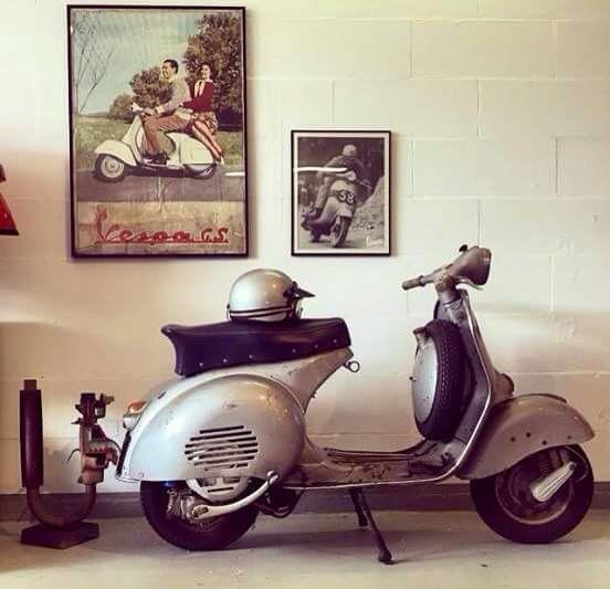 Pin by rodney coronado on scooters pinterest vintage for Vespa decoration