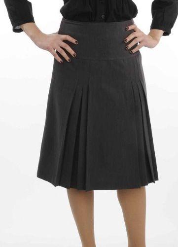 La jupe plissée est comme son nom l'indique une jupe à plis. Généralement courte, elle est associée aux uniformes d'écolières.