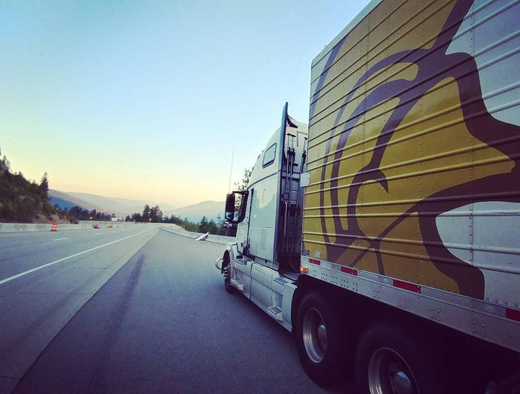 freightliner longhaul truckload truck truckdriver