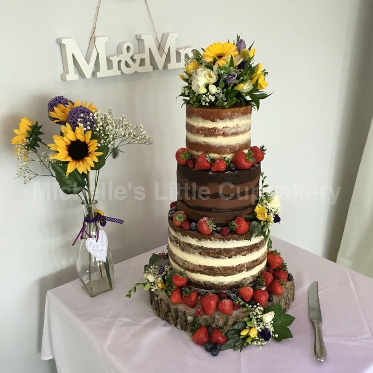 Naked wedding cake; carrot, chocolate and vanilla!
