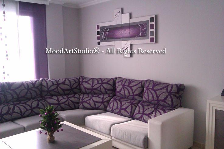 Cuadro morado y blanco estilo minimalista. Foto preciosa del salon de nuestra clienta! Enhorabuena! Al ser un cuadro personalizado no tenemos link pero os dejamos nuestra pagina:http://www.moodartstudio.es/