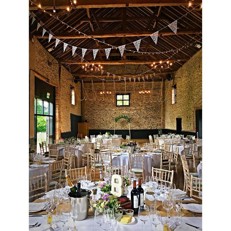 Harry Potter hint on todays wedding #thegranarybarns #thegranaryestates #buntingwedding #fairylights #barnwedding #countywedding #harrypotterwedding