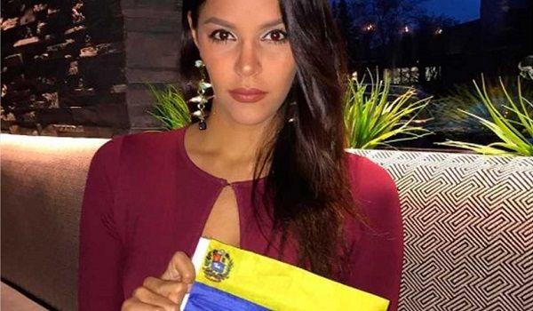 La morena Keysi Sayago, ganadora del concurso de belleza Miss Venezuela 2016, ha sumado a su larga lista de responsabilidades la participación esporádica en las protestas que desde hace tres meses sacuden a su país, pero sin descuidar la corona y lo que esta significa para sus paisanos.