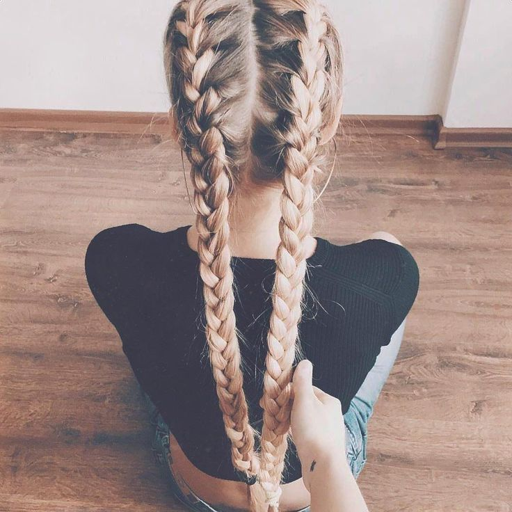 French braid is easy to braid – DIY Instructions … | Women's hair |