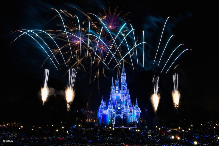 Watch Walt Disney World's New Year's Eve Fireworks Live December 31 at 11:50 p.m. EST